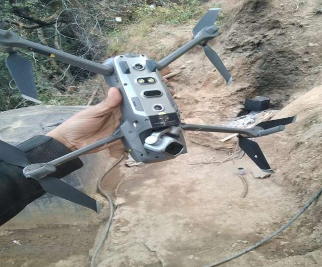 loc-a-pakistani-drone-shot-down-by-the-indian-army-in-keran-sector-of-jk_g2d